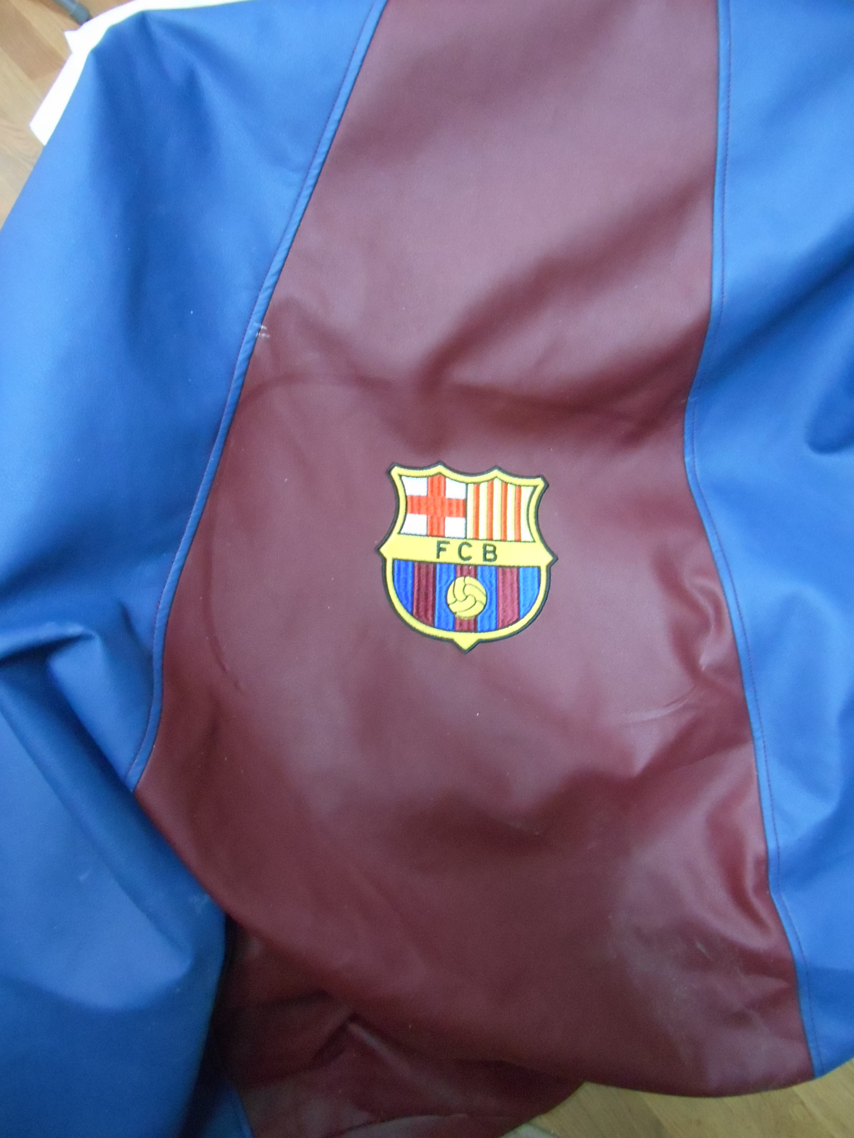 Вышивка эмблема Барселона