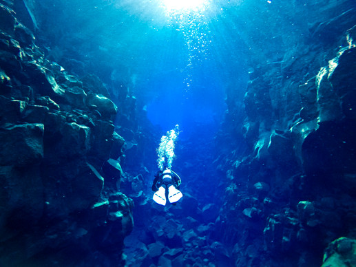Diving through Iceland's Silfra