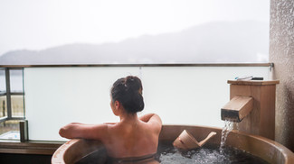 A Night in a Japanese Ryokan Onsen