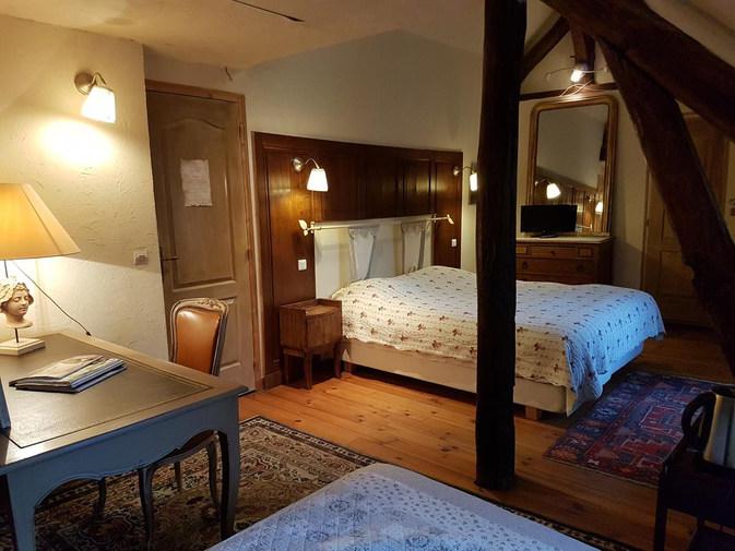 hotel-bourron-marlotte-la-marlotte.jpg