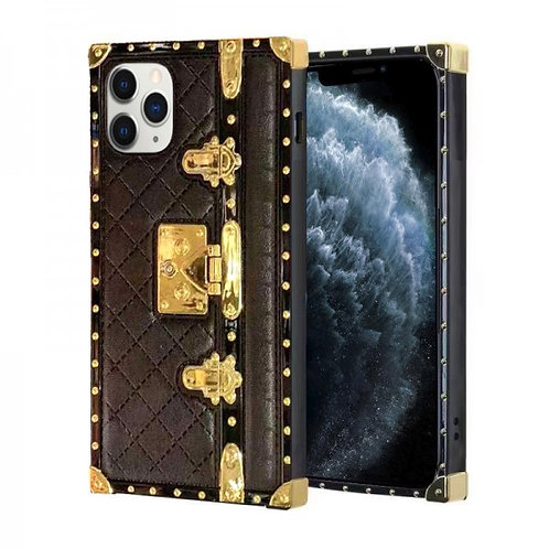 iphone 11 pro Max-VINTAGE OPULENCE - BLACK QUILTED TRUNK