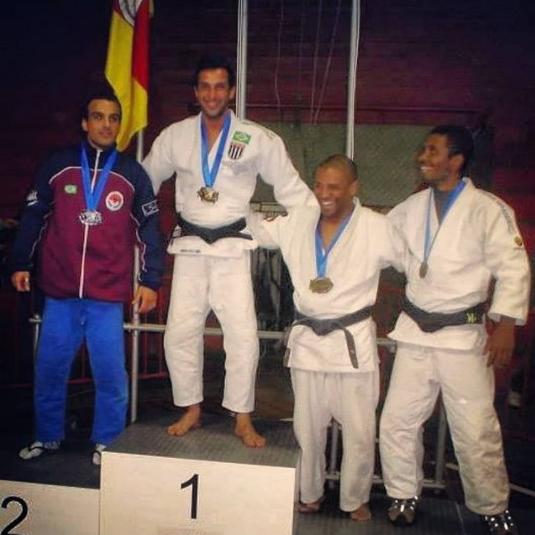 feu luta judo4.png