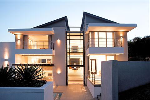 Modern House_edited.jpg