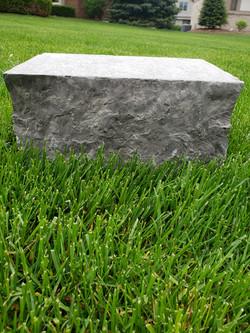 Dark grey sawn wallstone