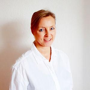 Physiotherapeutin Kerstin Schneider.jpg