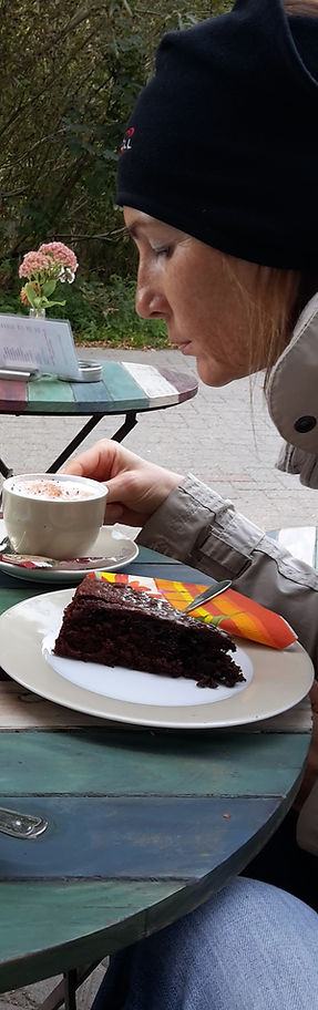 Katrin Hochrein im Café
