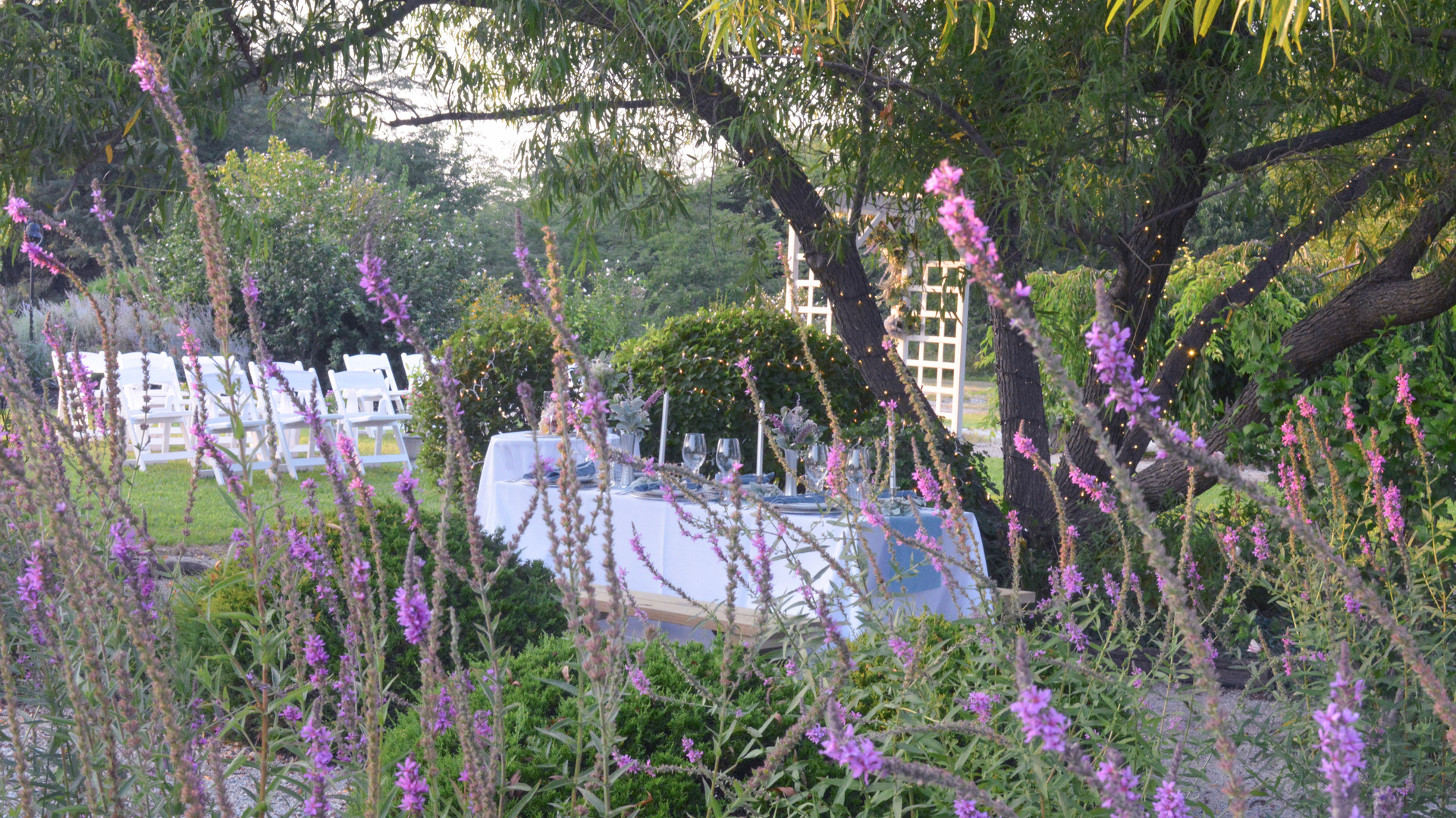 12-Table setting garden abor.jpg