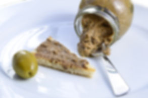 Crostini_con_Patè_di_olive.jpg