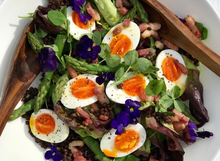 Spring Salad with Eggs, Bacon, Asparagus & Lentils