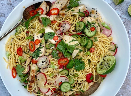 Cheats Asian Chicken Noodle Salad ⠀⠀⠀⠀⠀⠀⠀⠀⠀