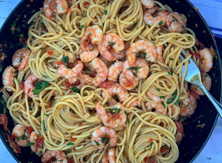 Spaghetti with Prawns, Fresh Tomato, Chilli & Garlic