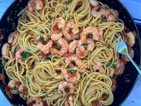 Spaghetti with Prawns, Fresh Tomato, Chilli & Garlic
