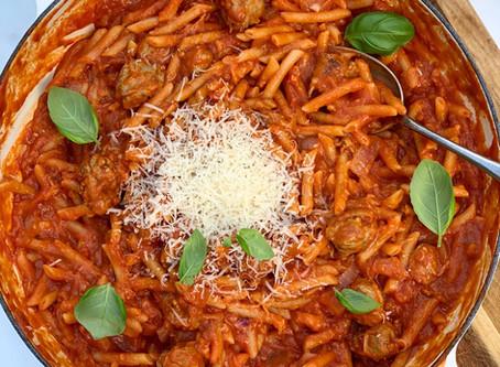 One Pot Sausage & Tomato Pasta!