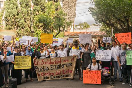 México: Solidaridad con Ecuador