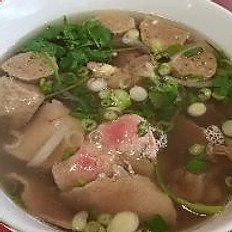P1. V's Combo Beef Noodle Soup - Phở đặc biệt