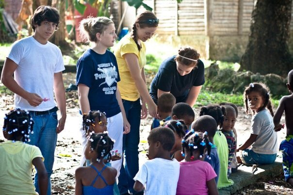 teens learning about culture on a missions trip
