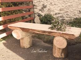 Banc en rondins de bois