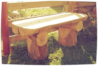 LOU FUSTADOU : création de mobilier de jardin en rondins de bois - 15