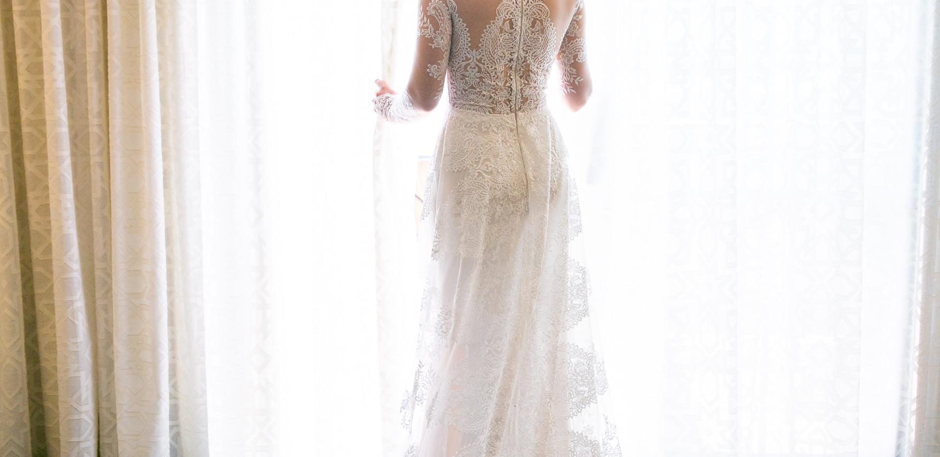 Stunning Lace Claire Pettibone Wedding Dress