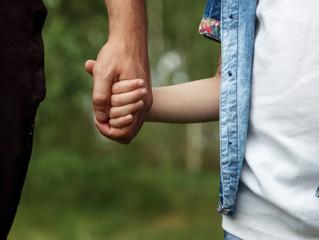 ¿Cómo incluir a los padres o cuidadores en la psicoterapia de niñas, niños y adolescentes?