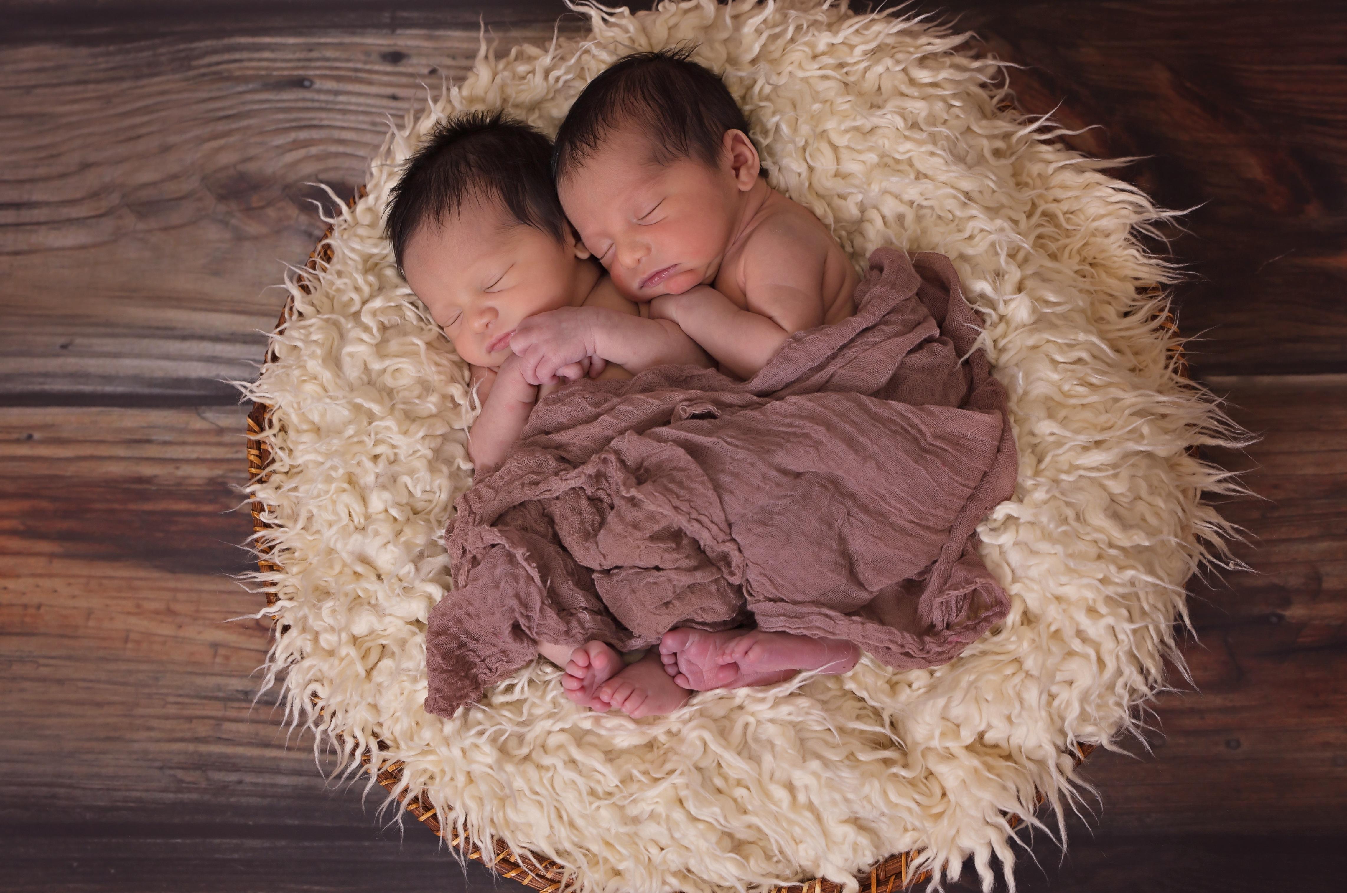 twins-1628843