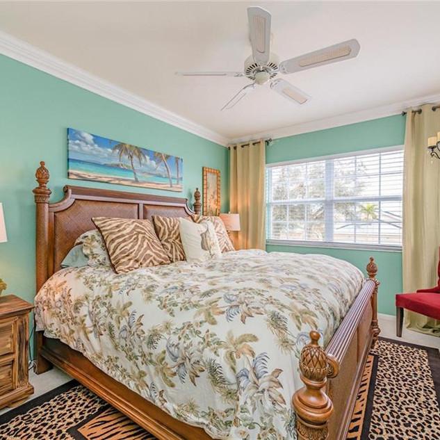 florida guest room pro.jpg