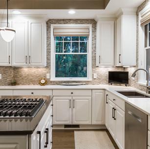 kitchen to back.jpg