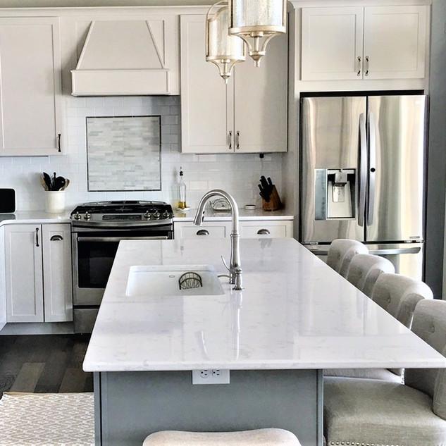 kitchen island to stove.jpg
