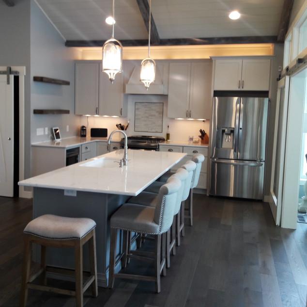denucci kitchen 2.jpg