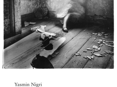 Yasmin Nigri voando nas bigornas
