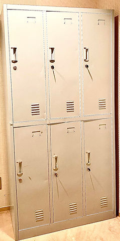 lockets room.jpg