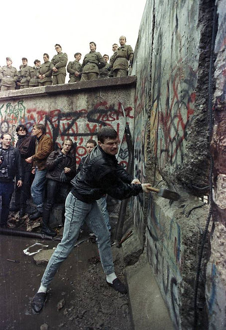 Fall of the Berlin Wall.JPG