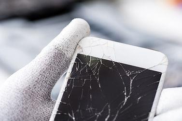 Techniker mit Broken Screen