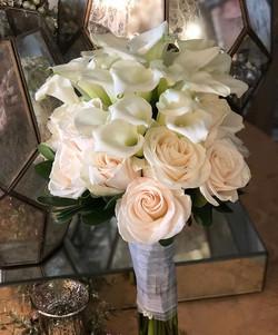 #bridal #bouquet #minicalla #roses #eleg