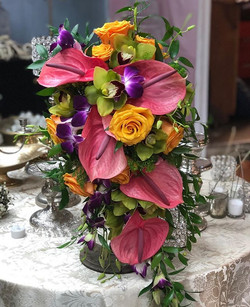 #tropical #cascade #bridal #bouquet #wed