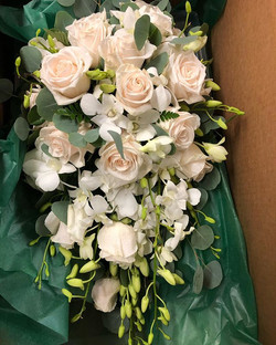 #cascade #bridal #bouquet.