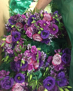 Another one😍😍😍 #bridalbouquet #bridesmaidesbouquets #personals #weddingday #weddingdelivery #flor