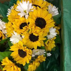 #Cascade #bridal #bouquet  #sunflowers #daisy