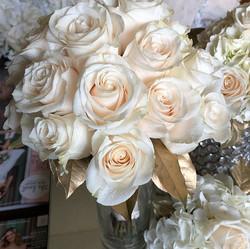 #vendellaroses #gold #accents #weddings