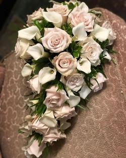 #classic #cascade #bridal #bouquet