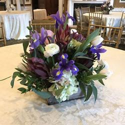 It sure felt like spring today🌷🌹🌻🌼🌸🌺 #centerpiece #weddingcenterpiece #morningsidegreenhouse #