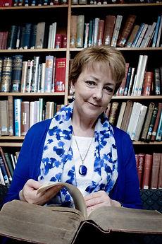 Irish Genealogist Natalie Bodle of Roots Revealed