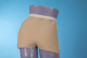 Three layers of MicroSpring Textile cover the hip and sacral area to reduce pressure and shear.
