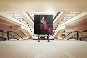 Multi_Display_Stand_Mall.jpg