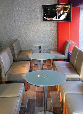 cafe_ceilingmount.jpg