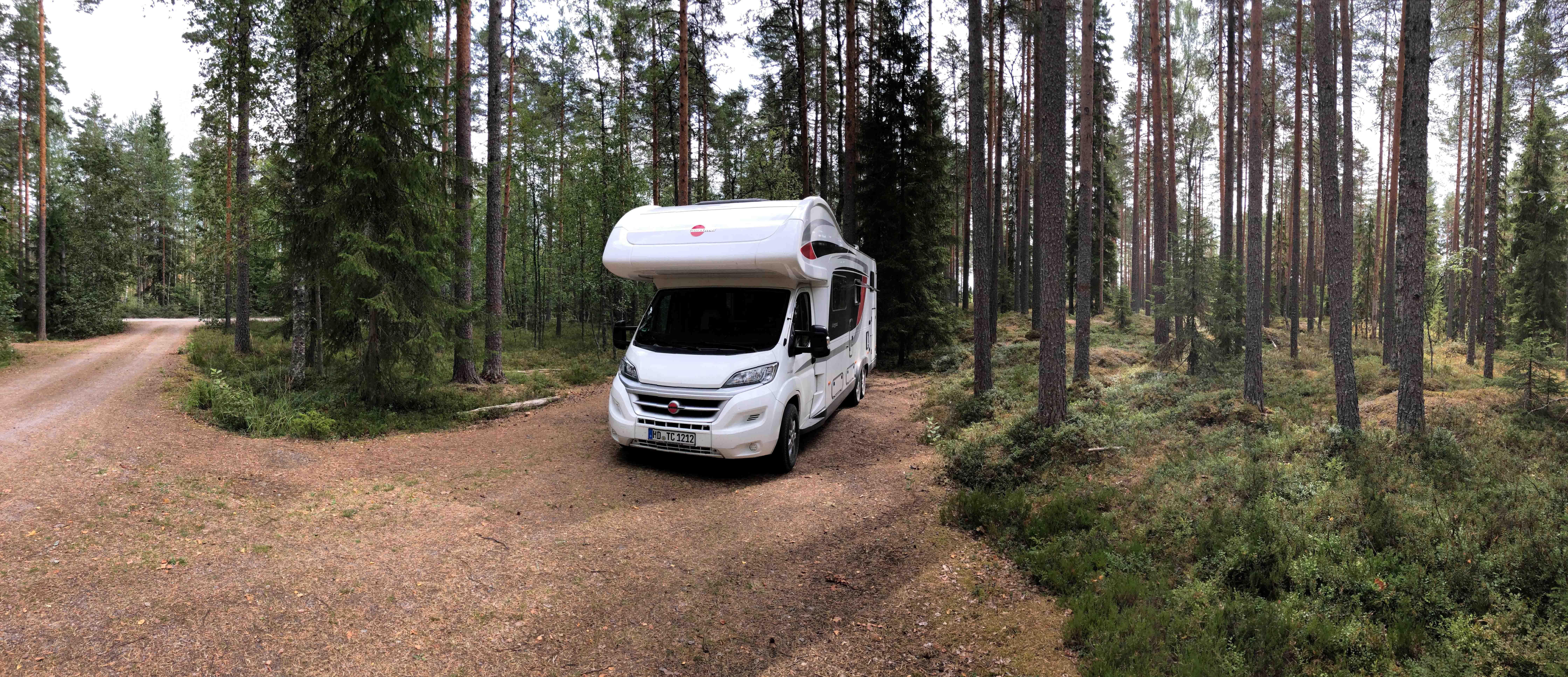 Wanderparkplatz_Helvetinjärvi01