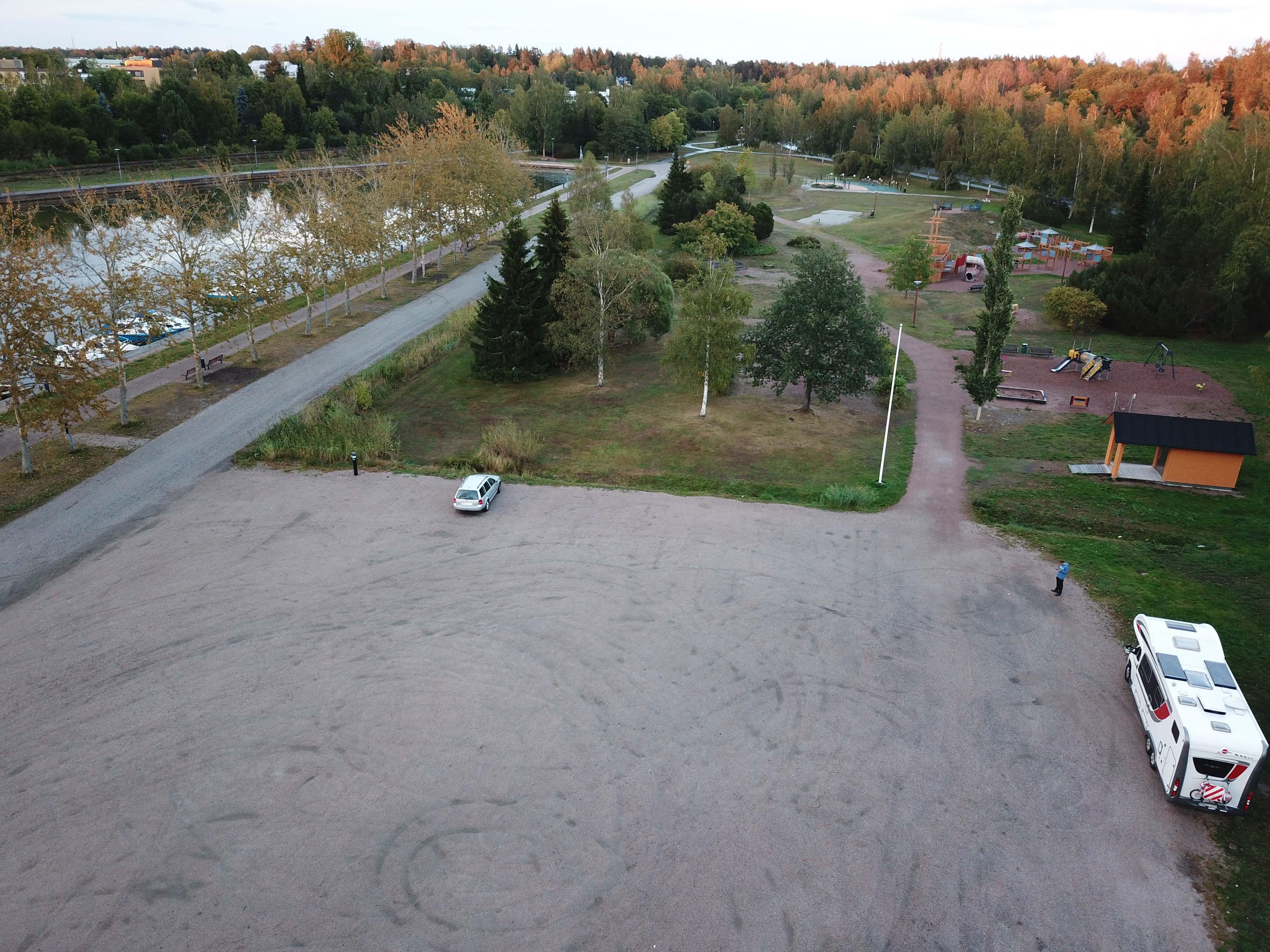 Parkplatz Uusikapunki01