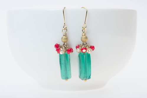 Green glass & red with champagne glass topped clusters グリーンガラス&赤のプチガラスクラスター