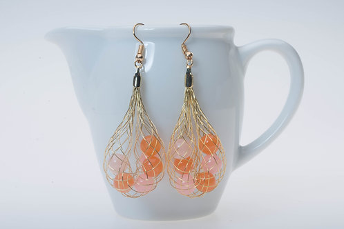 Fishnet & orange acrylic beads フィッシュネットとオレンジのアクリルビーズ