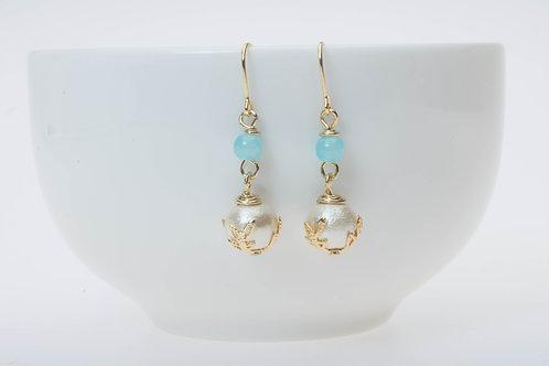 Light blue glass & cotton pearl ライトブルーのガラスとコットンパール